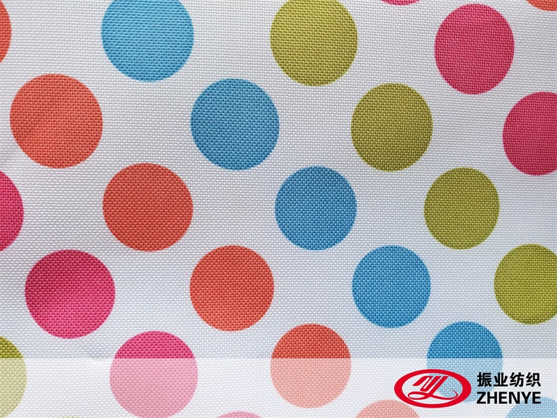What are the characteristics of nylon and polyester fabrics